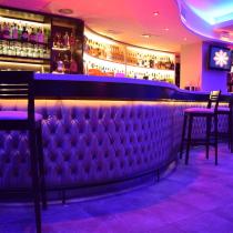 Resultado de imagen de bares modernos